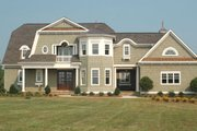 Traditional Style House Plan - 4 Beds 5 Baths 4388 Sq/Ft Plan #413-830 Exterior - Front Elevation
