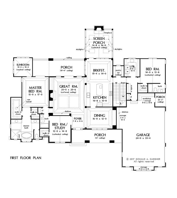 Traditional Floor Plan - Main Floor Plan #929-1042