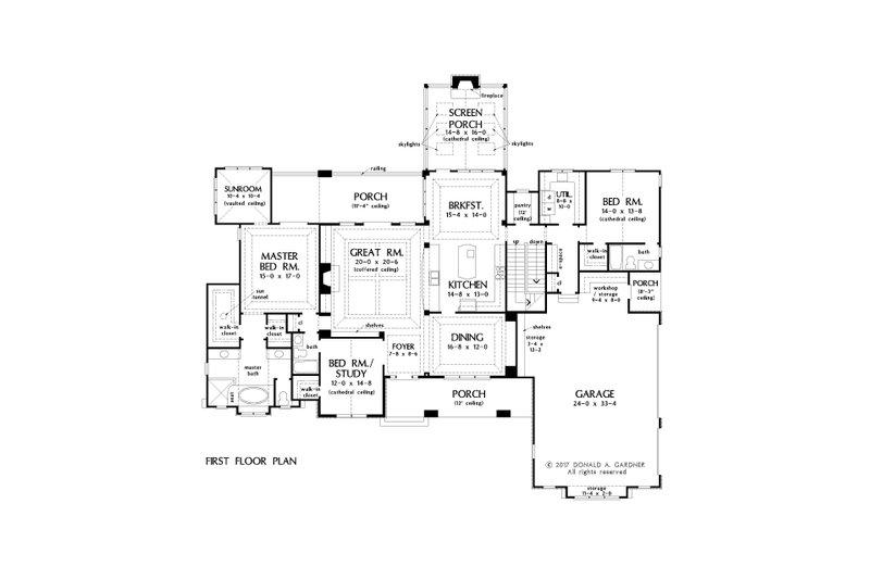 Traditional Floor Plan - Main Floor Plan Plan #929-1042
