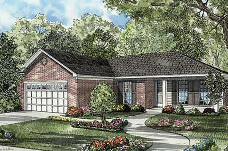 Traditional Style House Plan - 3 Beds 2 Baths 1193 Sq/Ft Plan #17-656 Exterior - Front Elevation