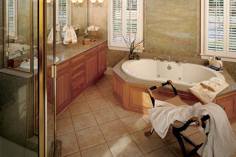 Country Interior - Master Bathroom Plan #929-12 - Houseplans.com