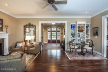Craftsman Interior - Entry Plan #929-340