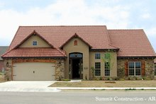 House Plan Design - Traditional Exterior - Front Elevation Plan #17-226
