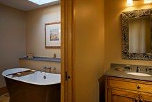 Ranch Interior - Master Bathroom Plan #481-7