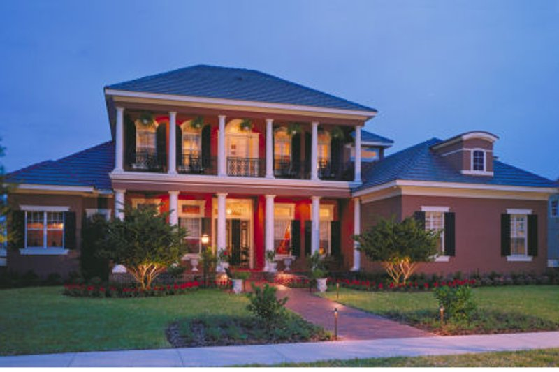 Southern Style House Plan - 5 Beds 5 Baths 5750 Sq/Ft Plan #135-183 Exterior - Front Elevation