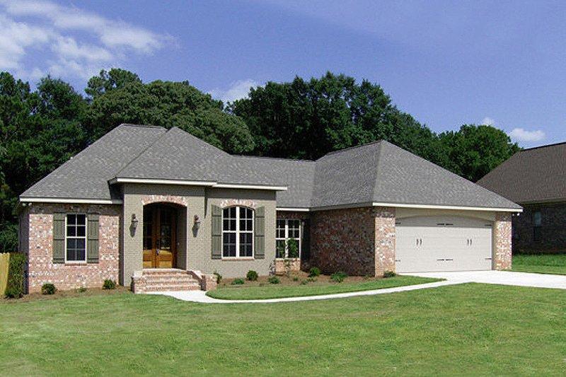House Plan Design - European Exterior - Front Elevation Plan #430-52