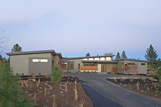 Modern Exterior - Front Elevation Plan #892-14