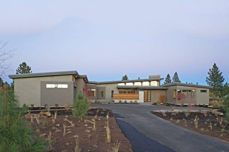 House Plan Design - Modern Exterior - Front Elevation Plan #892-14
