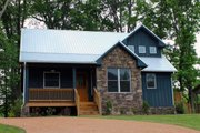 Country Style House Plan - 3 Beds 2.5 Baths 1814 Sq/Ft Plan #932-2 Exterior - Front Elevation