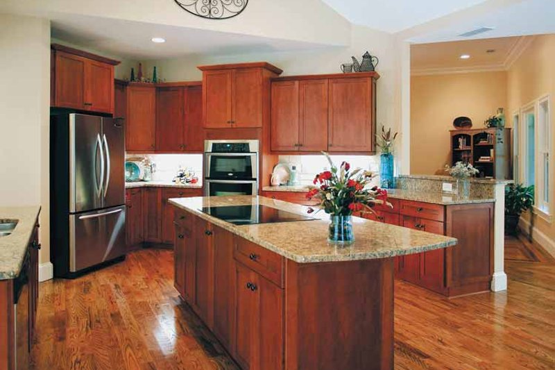 Traditional Interior - Kitchen Plan #56-541 - Houseplans.com