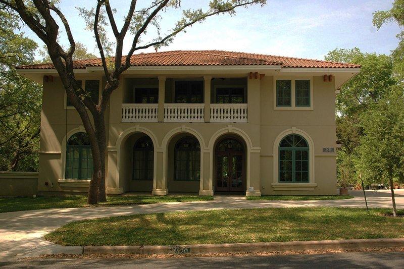 Dream House Plan - Mediterranean Exterior - Front Elevation Plan #472-199
