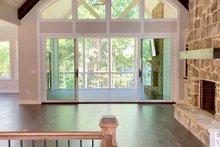 Craftsman Interior - Family Room Plan #437-116