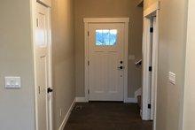 Craftsman Interior - Entry Plan #1070-46