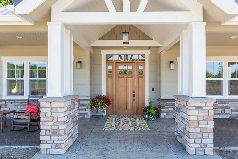 Country, Craftsman style home, front entry photo