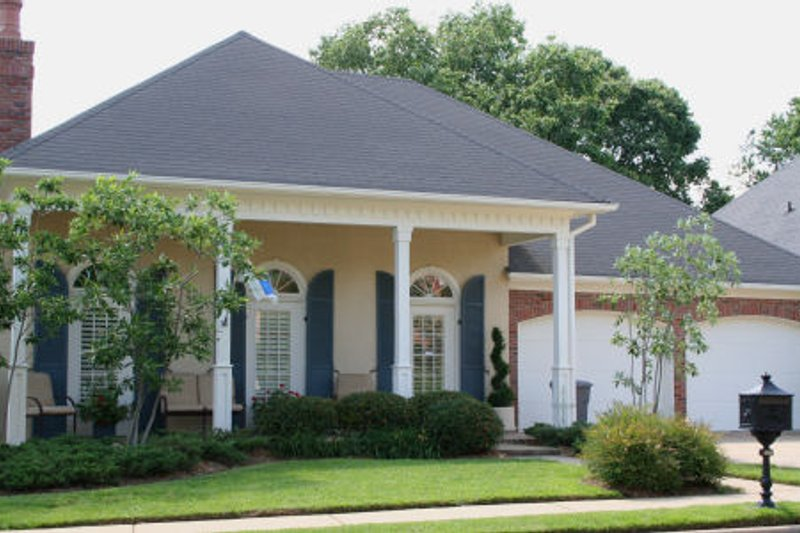 Dream House Plan - Traditional Exterior - Front Elevation Plan #45-342
