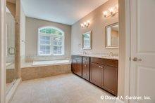 House Plan Design - Traditional Interior - Master Bathroom Plan #929-980