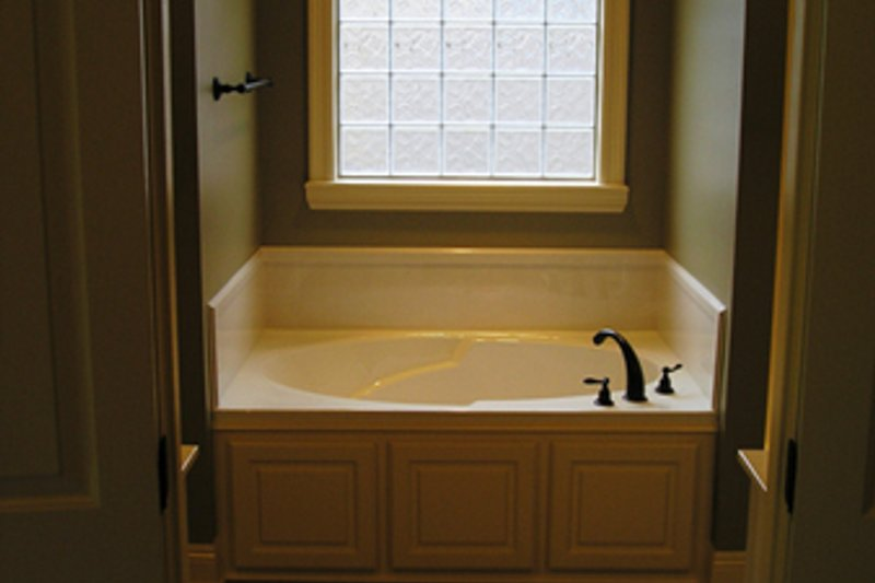 European Interior - Master Bathroom Plan #430-52 - Houseplans.com