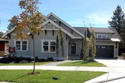 Craftsman Style House Plan - 3 Beds 2 Baths 1830 Sq/Ft Plan #434-21 Exterior - Front Elevation
