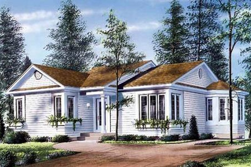 Traditional Exterior - Front Elevation Plan #23-106 - Houseplans.com