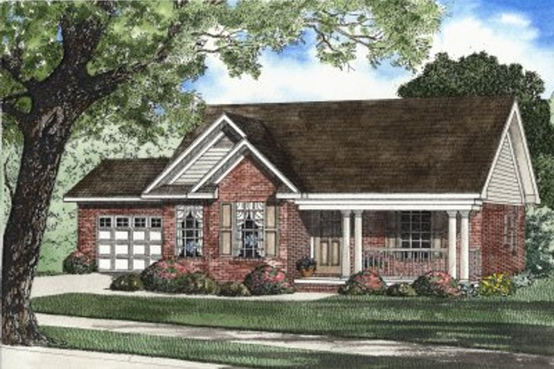 Traditional Style House Plan - 3 Beds 2 Baths 1321 Sq/Ft Plan #17-1121 Exterior - Front Elevation