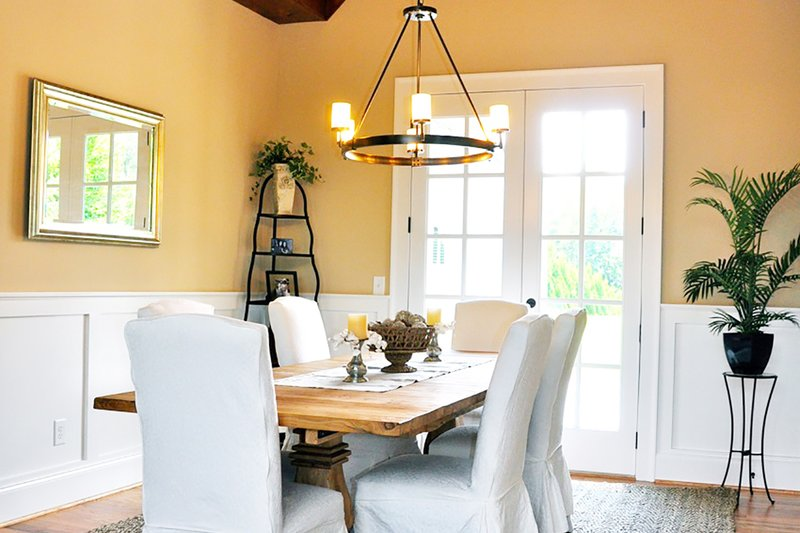 Craftsman Interior - Dining Room Plan #437-60 - Houseplans.com