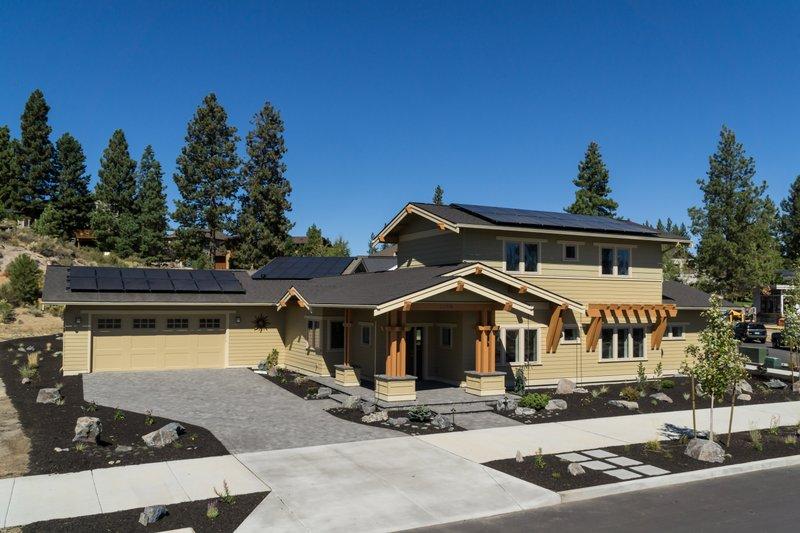 Dream House Plan - Craftsman Exterior - Front Elevation Plan #895-83