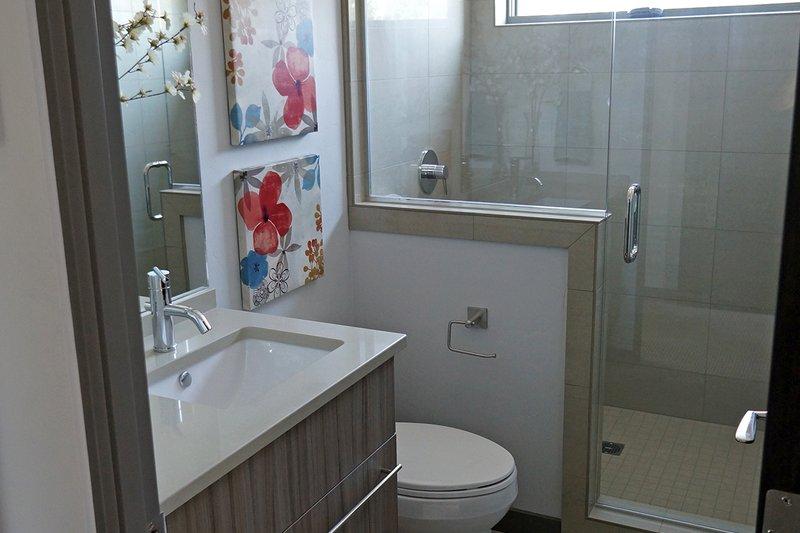Contemporary Interior - Bathroom Plan #892-15 - Houseplans.com