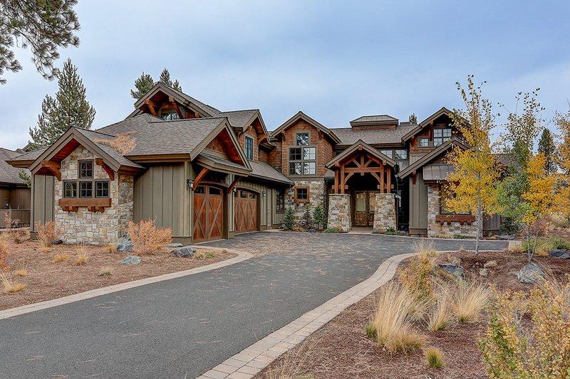 Dream House Plan - Craftsman Exterior - Front Elevation Plan #892-27