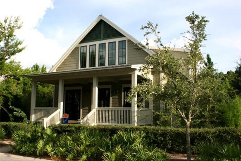 Beach Style House Plan - 3 Beds 3 Baths 2484 Sq/Ft Plan #443-3