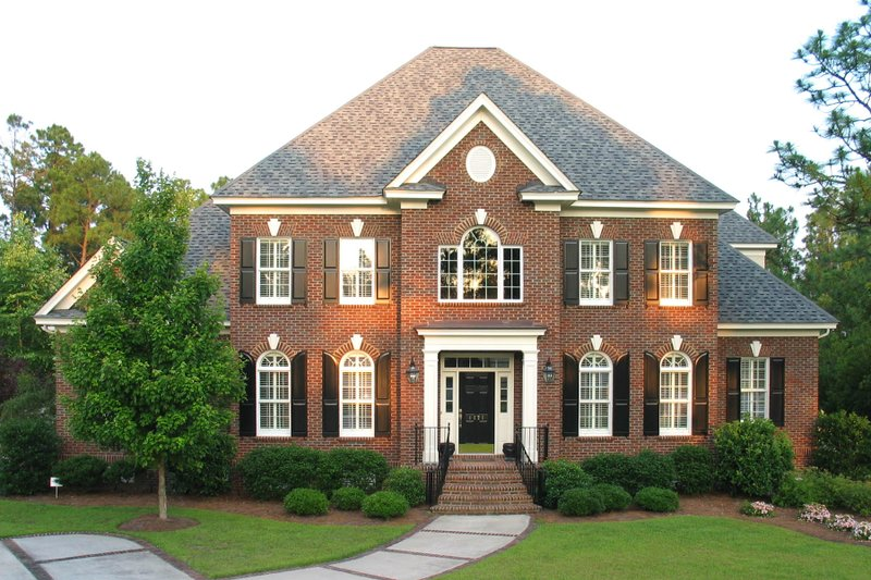 Dream House Plan - Traditional Exterior - Front Elevation Plan #1054-58