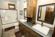 Craftsman Style House Plan - 3 Beds 4.5 Baths 2536 Sq/Ft Plan #892-11 Interior - Bathroom
