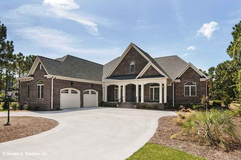 Dream House Plan - Traditional Exterior - Front Elevation Plan #929-874