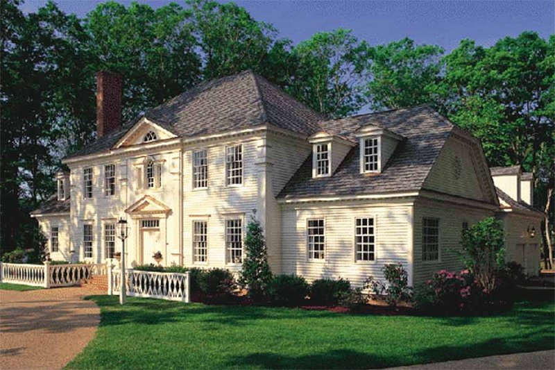 Colonial Exterior - Front Elevation Plan #137-112