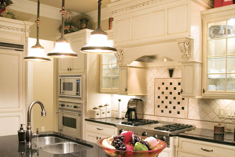 Traditional Interior - Kitchen Plan #927-11 - Houseplans.com