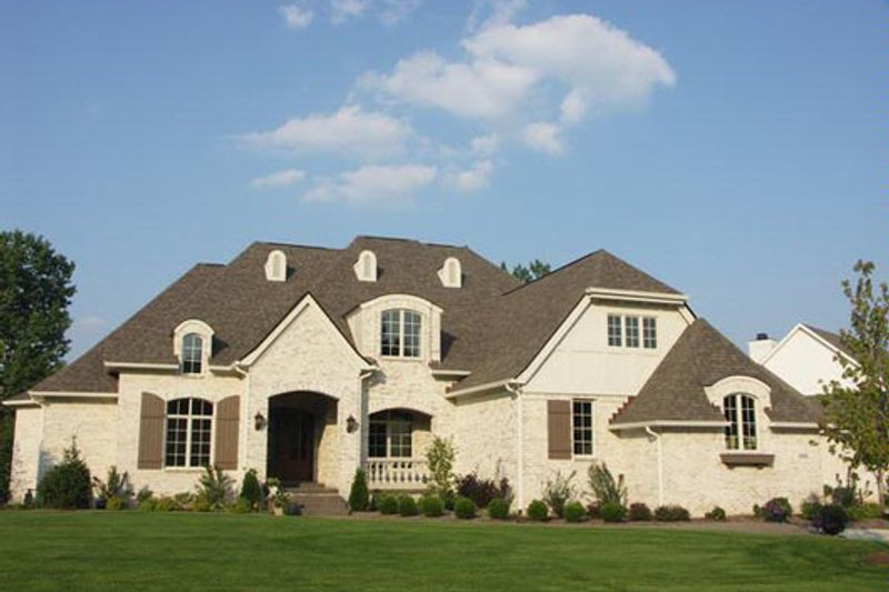 European Style House Plan - 4 Beds 5.5 Baths 6375 Sq/Ft Plan #458-20 Exterior - Front Elevation