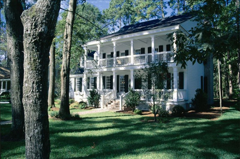 Colonial Exterior - Front Elevation Plan #137-145 - Houseplans.com