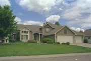 Traditional Style House Plan - 4 Beds 3 Baths 2269 Sq/Ft Plan #51-115 Exterior - Front Elevation