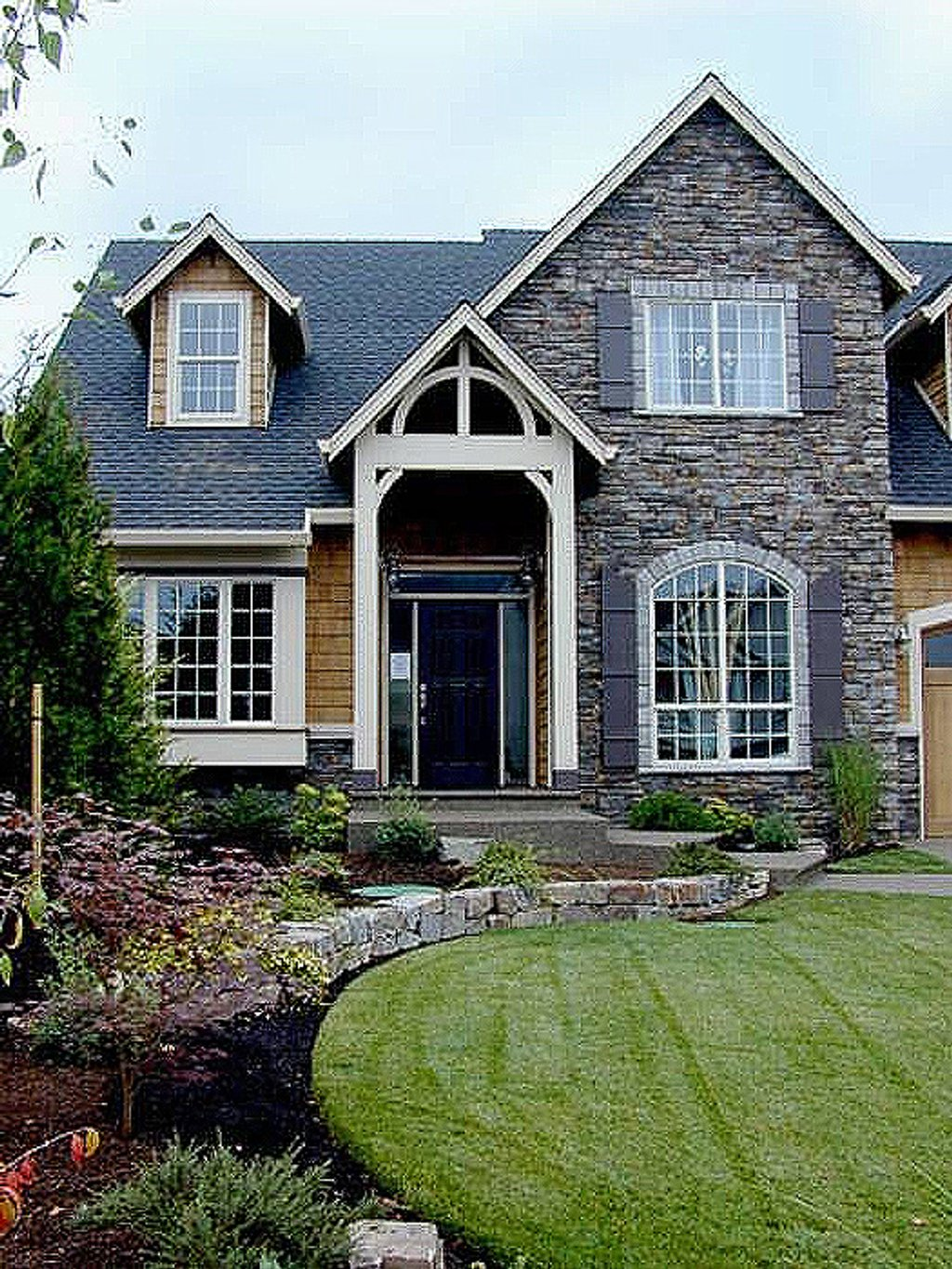 Craftsman style house plan 4 beds 2 5 baths 2196 sq ft for Craftsman style homes for sale in maryland