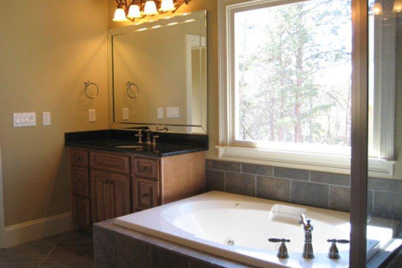 Traditional Interior - Master Bathroom Plan #437-38 - Houseplans.com