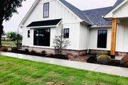Craftsman Style House Plan - 4 Beds 3 Baths 2832 Sq/Ft Plan #430-201