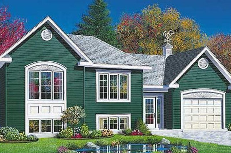 Traditional Style House Plan - 2 Beds 1 Baths 901 Sq/Ft Plan #23-311 Exterior - Front Elevation