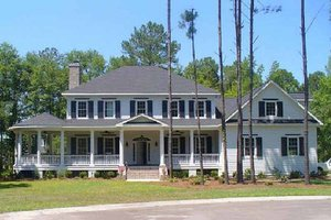 Colonial Exterior - Front Elevation Plan #137-119