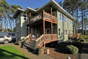 Contemporary Style House Plan - 2 Beds 2.5 Baths 2041 Sq/Ft Plan #124-757 Exterior - Front Elevation