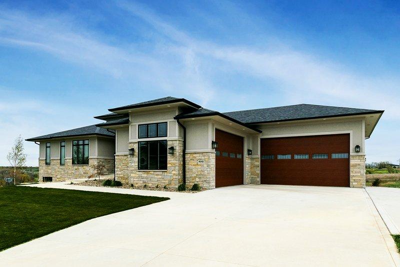 House Plan Design - Craftsman Exterior - Front Elevation Plan #70-1486