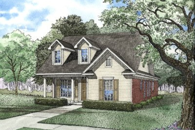 Traditional Style House Plan - 3 Beds 2 Baths 1370 Sq/Ft Plan #17-1099 Exterior - Front Elevation