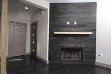Contemporary Interior - Entry Plan #932-7