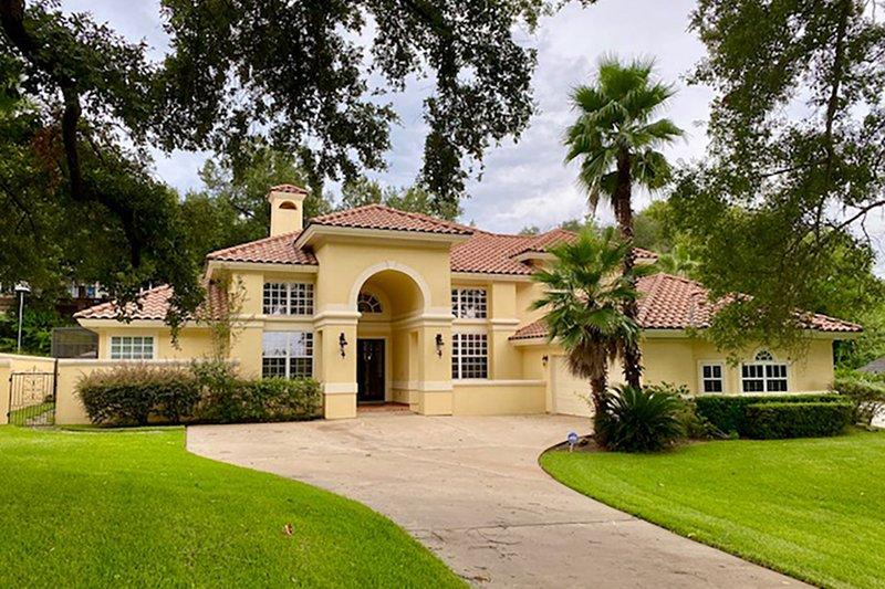 Dream House Plan - Mediterranean Exterior - Front Elevation Plan #930-27