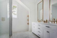 Craftsman Interior - Master Bathroom Plan #461-73