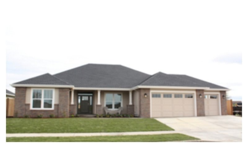 Ranch Style House Plan - 3 Beds 2 Baths 2316 Sq/Ft Plan #124-672 Exterior - Front Elevation