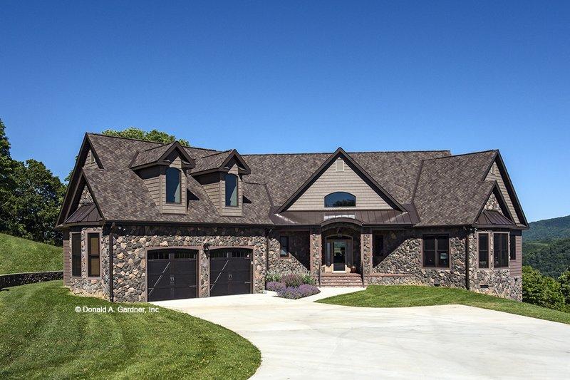 Dream House Plan - European Exterior - Front Elevation Plan #929-29